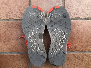 180808_靴底はボロボロです.jpg