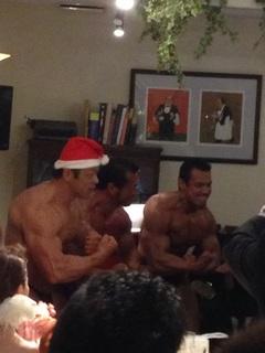 筋肉サンタ登場!